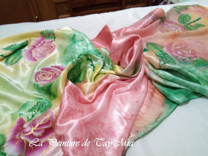 Foulard en soie peint à la main